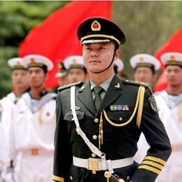 三軍儀仗隊執行隊長李強素描
