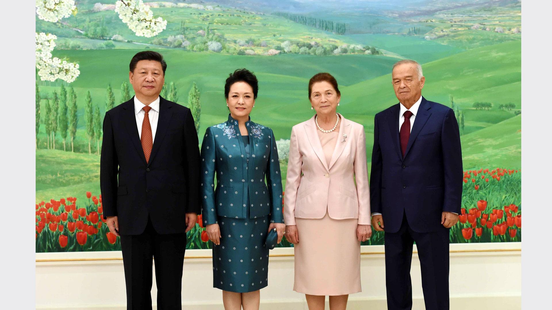 習近平同烏茲別克斯坦總統卡裏莫夫舉行會談