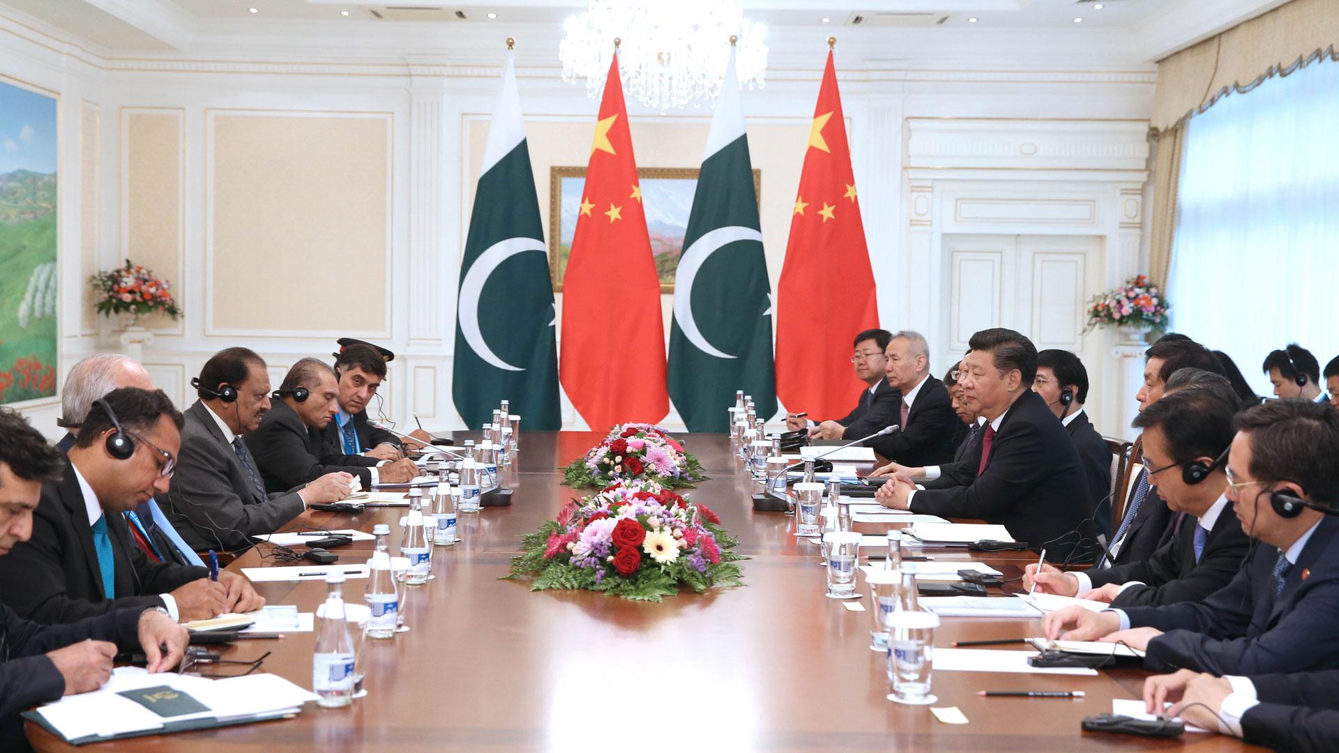 習近平會見巴基斯坦總統侯賽因