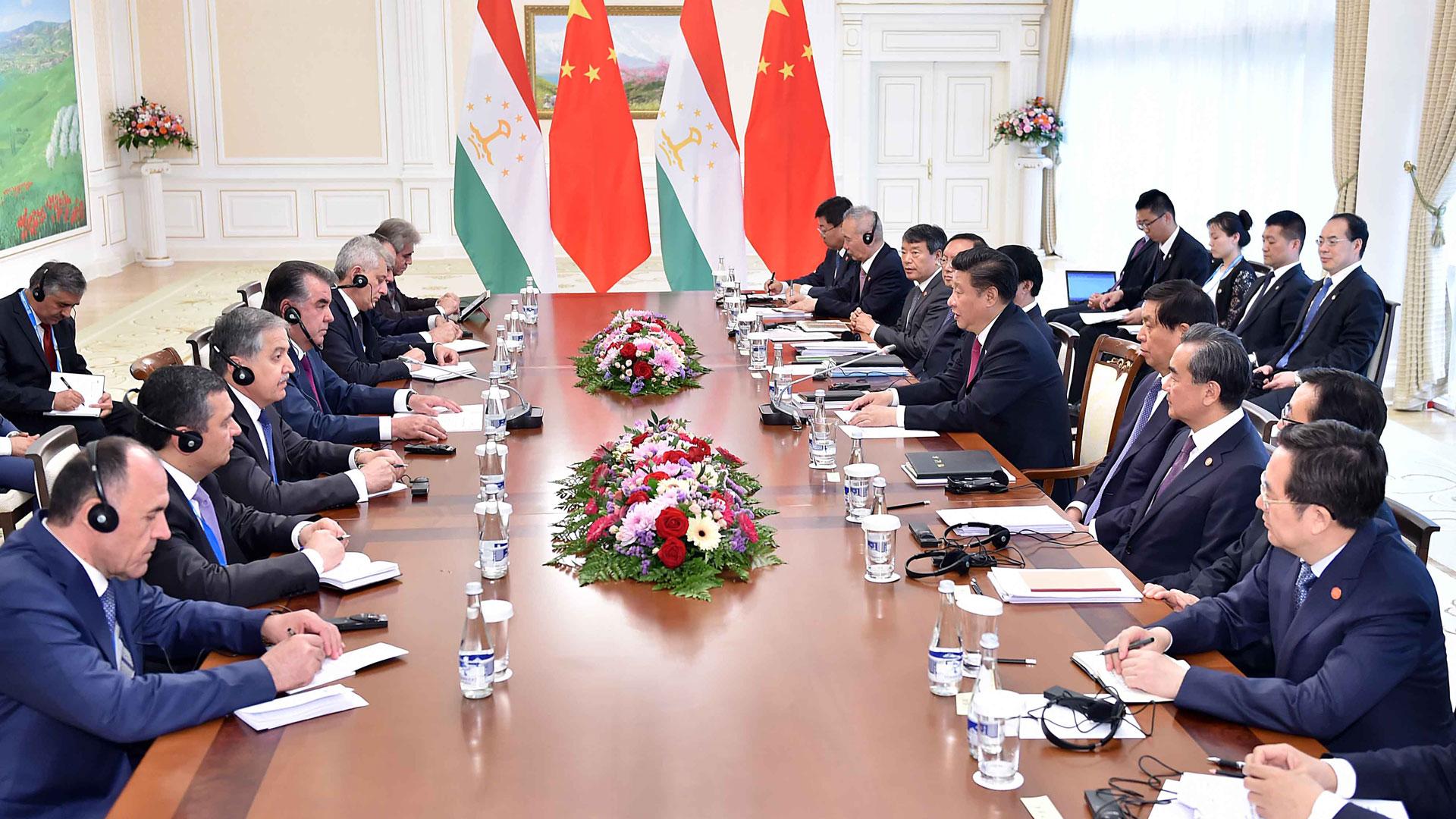 習近平會見塔吉克斯坦總統拉赫蒙