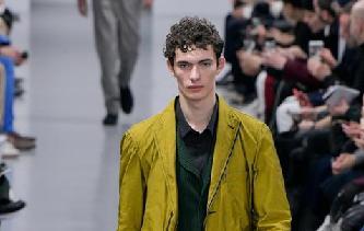 巴黎男裝周——三宅一生品牌時裝秀