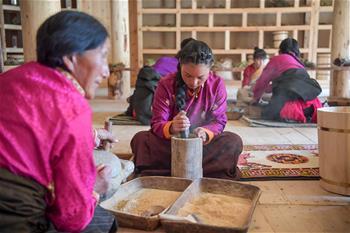 古法藏香的年輕傳習人