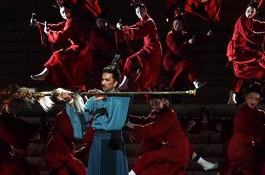 """第十二屆中國舞蹈""""荷花獎""""入圍舞劇《彩虹之路》在上海演出"""