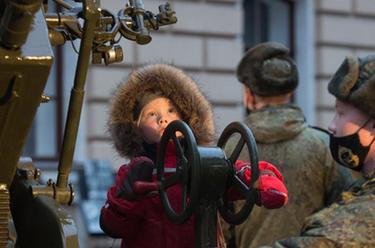 """俄羅斯舉行""""900日夜""""展不忘列寧格勒圍困歲月"""