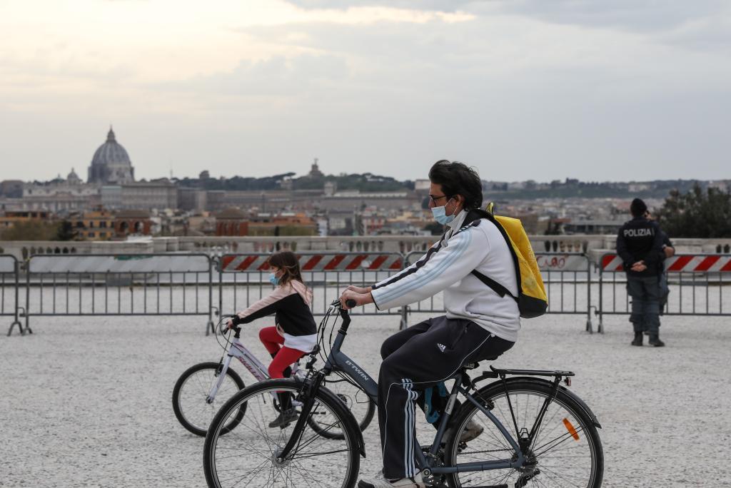 """意大利:""""紅區""""之中的復活節假期"""