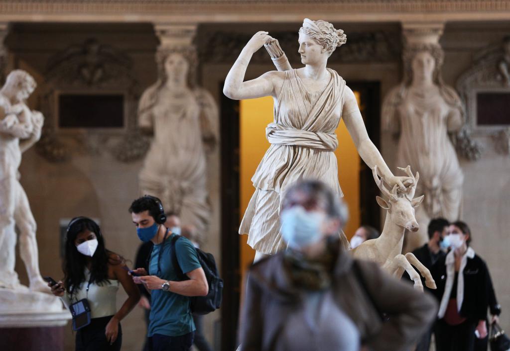 法國盧浮宮重新開放