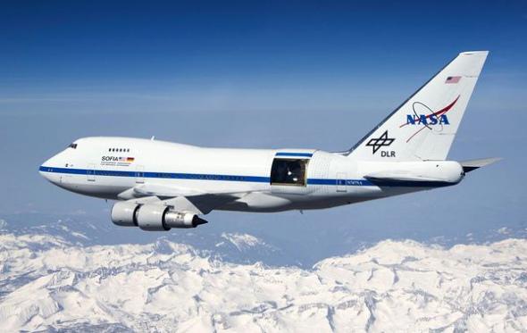 飞机 590_373