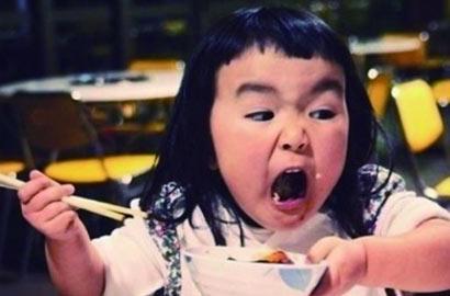 齐刘海表情帝女孩图片
