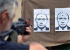 烏克蘭民眾用普京頭像當靶練射擊