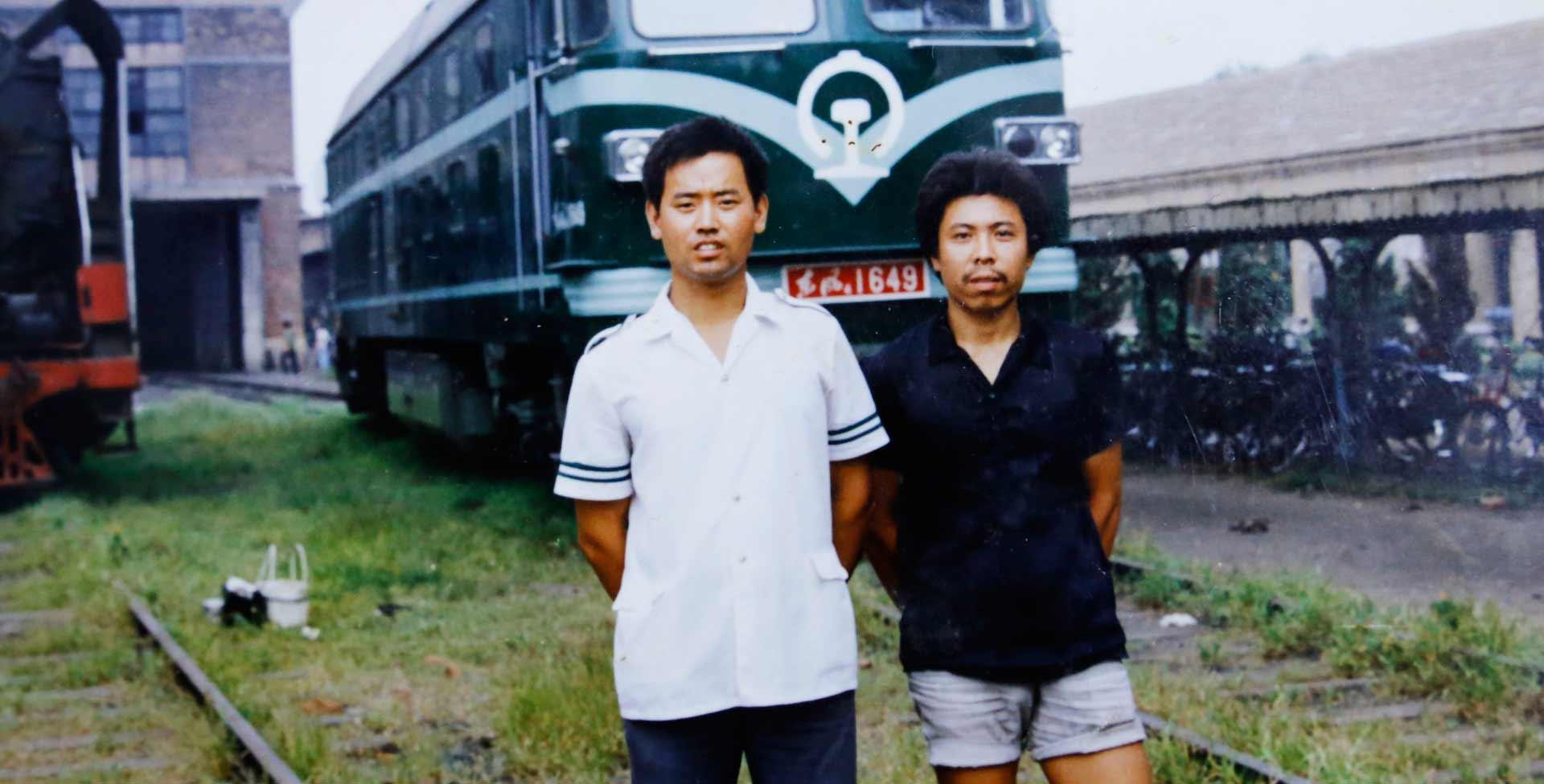 從蒸汽機車到動車 一個火車司機40年的鐵路情緣