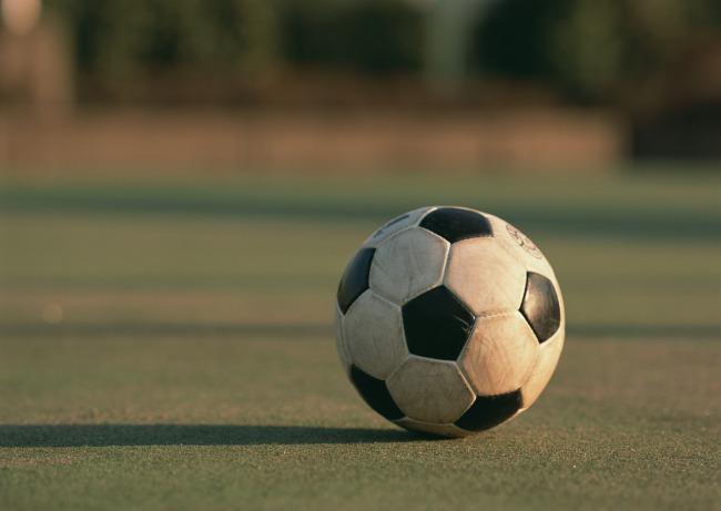 比场地更重要的是培育足球文化