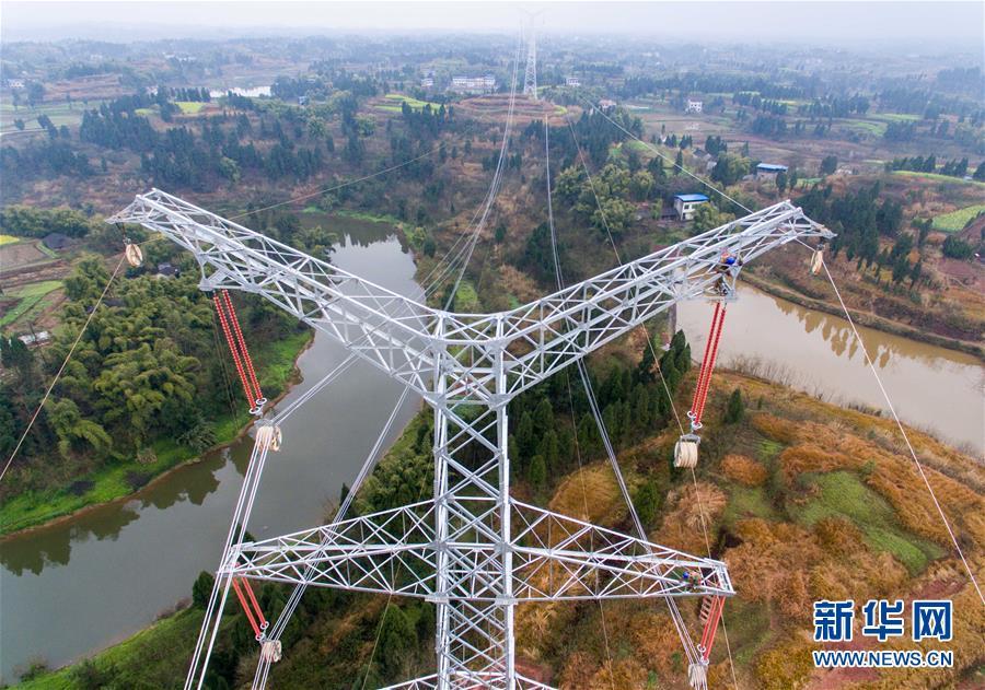 (經濟)(4)首條川電外送通道開始放線施工