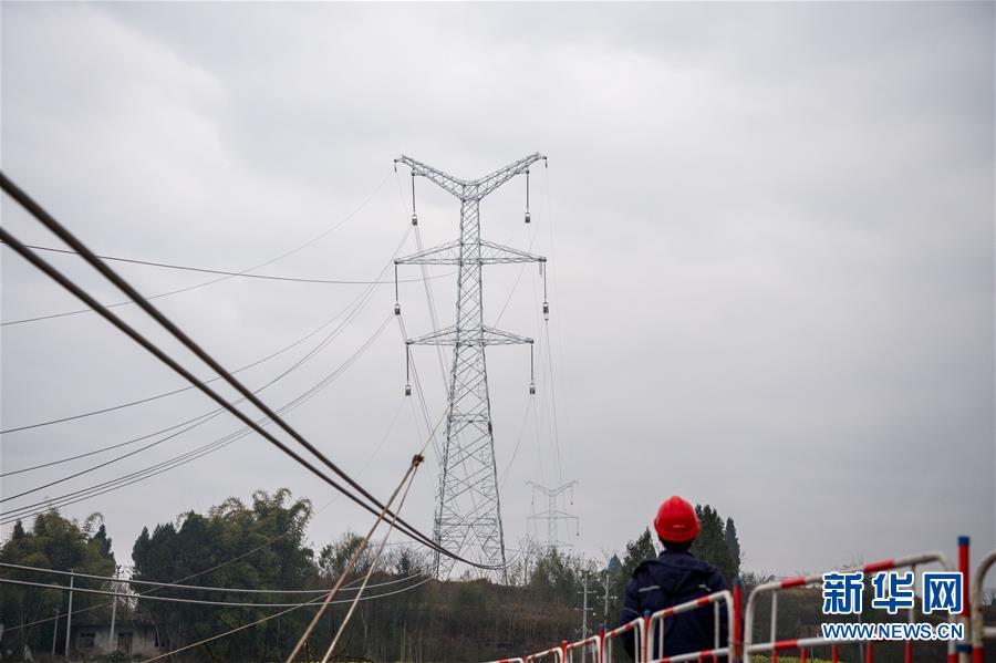 (經濟)(5)首條川電外送通道開始放線施工