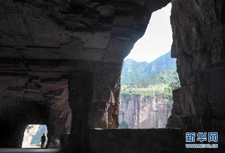 (社會)(4)郭亮村:絕壁公路建成四十年實現山村巨變