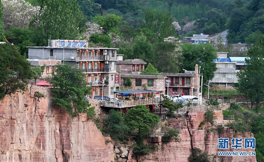 (社會)(6)郭亮村:絕壁公路建成四十年實現山村巨變