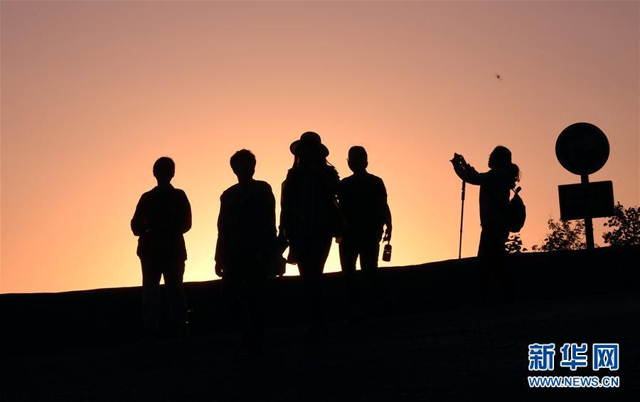 (社會)(15)郭亮村:絕壁公路建成四十年實現山村巨變