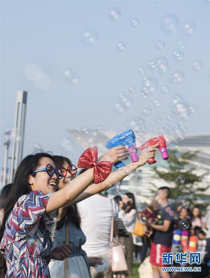 (香港回歸二十周年·新華視界)(11)香港:時尚之都的風採