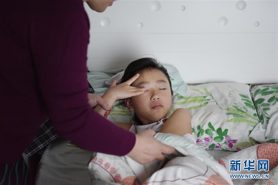 (香港回歸二十周年·圖文互動)(1)雙城記:跨境學童的一天
