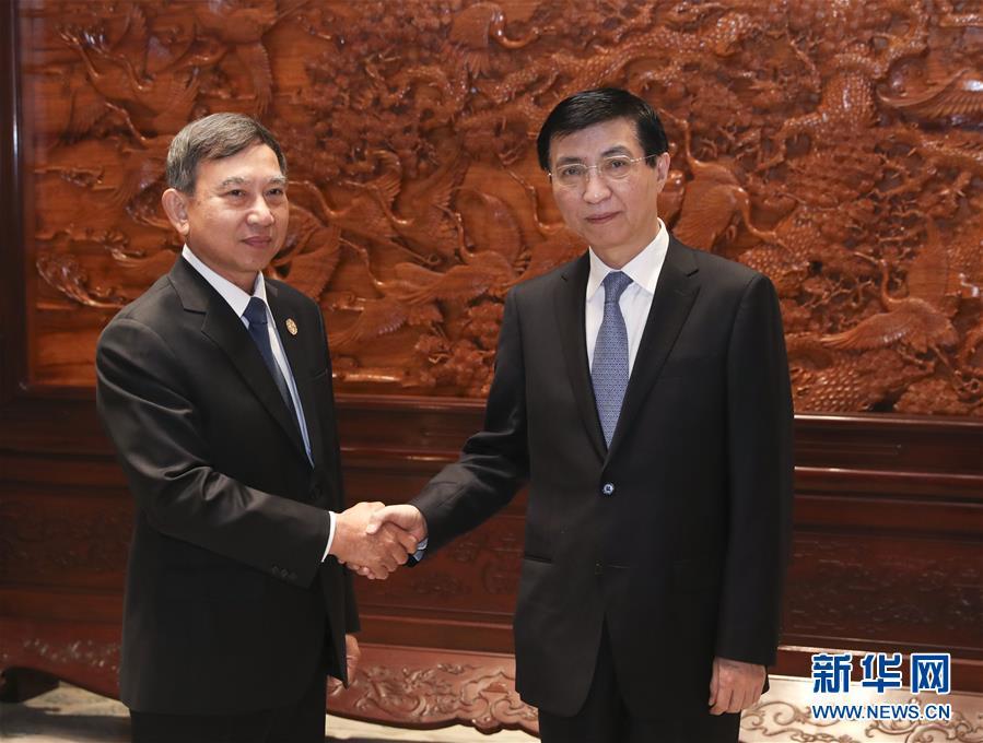 (時政)王滬寧會見泰國副總理巴金