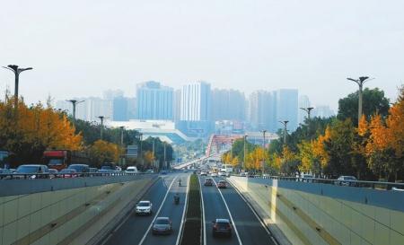 朝天门大桥分及层-上世纪50年代,四川省泸州市利用天然气资源逐步成为我国天然气化工图片