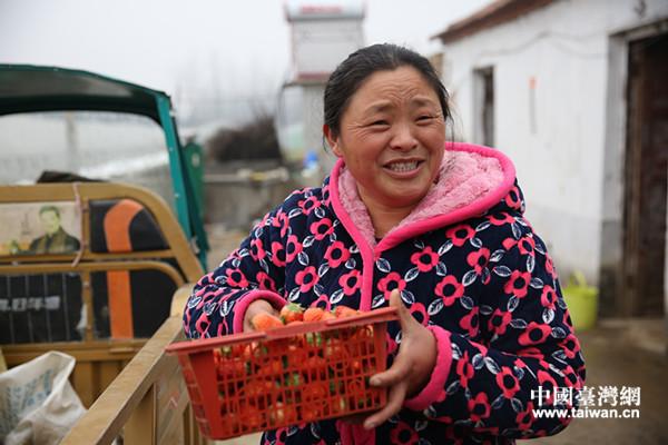 【网络媒体走转改】一个农民母亲脱贫致富路上的平凡与伟大