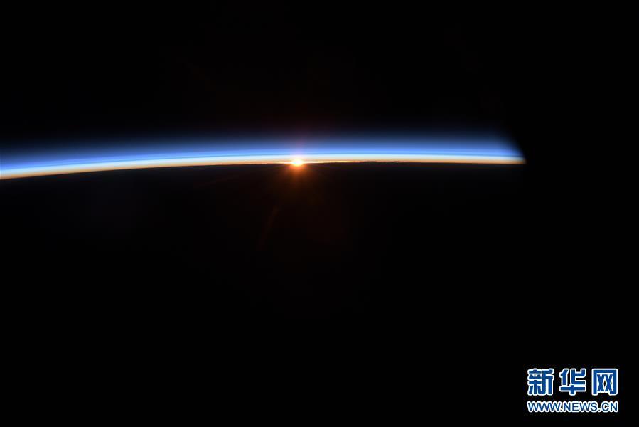 (图文互动)(2)为国出征叩苍穹——记英雄的中国航天员群体