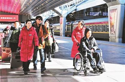 客运服务30多年 劳模客运员李素萍的最后一个春运