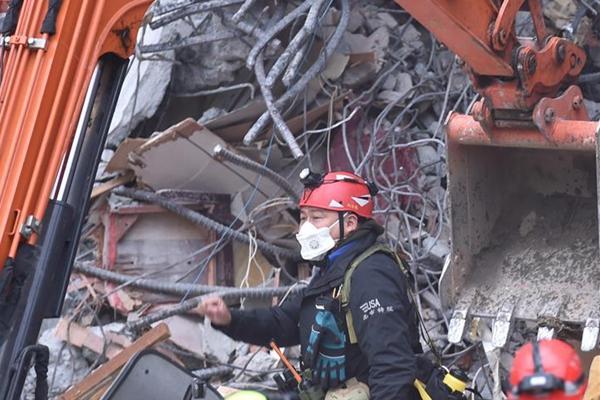 台花莲地震7人遇难260人受伤 1名大陆游客伤重不治