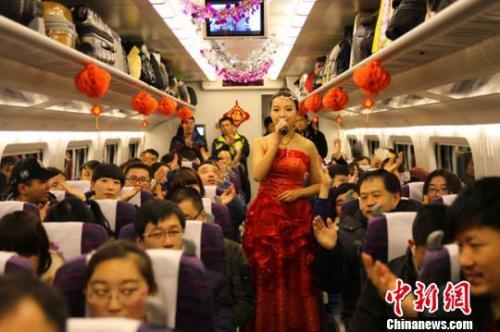 北京急速赛车彩票:大年初一话拜年:千年民俗的新形式