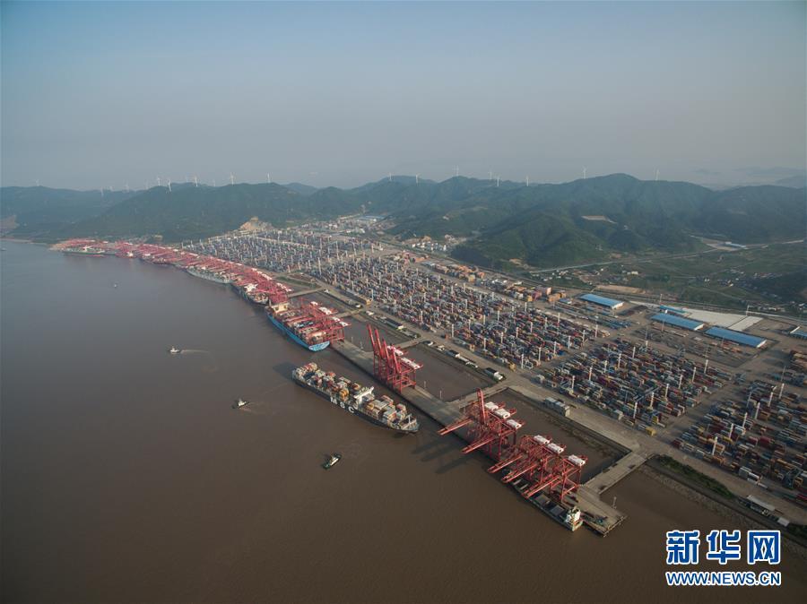 (新华全媒头条·图文互动)(2)领航新时代中国经济航船——从中央财经领导小组会议看以习近平同志为核心的党中央驾驭中国经济