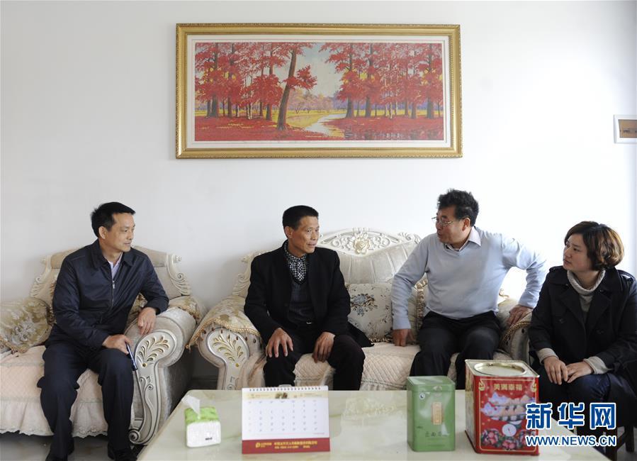(图文互动)(4)第一书记李传玺的驻村生活