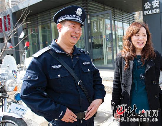 全国优秀人民警察吕建江生前身后的感动瞬间百里挑一聋哑女孩