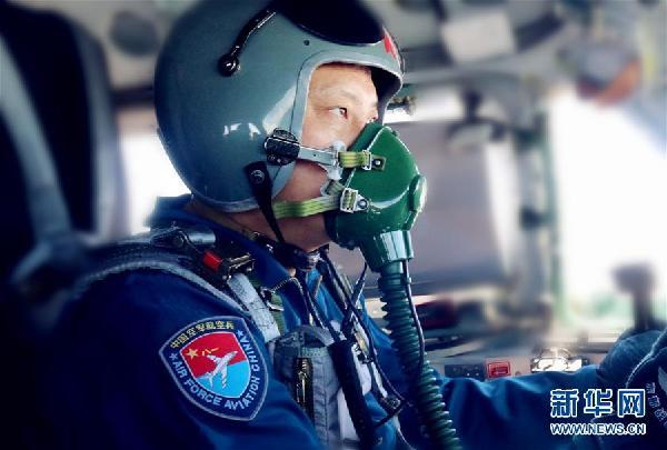 (图文互动)(4)空军多语种宣传片《战神绕岛新航迹》向海内外发布