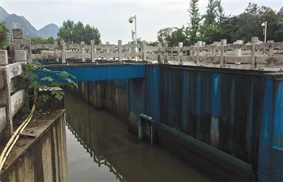 国家安监总局调查桂林龙舟翻船事故李景华的照片
