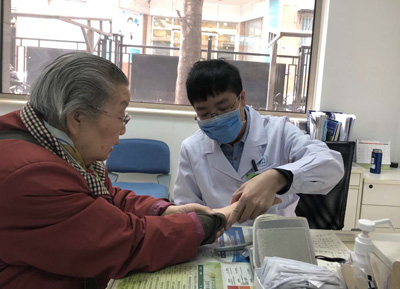 中国家庭医生服务已覆盖5亿人 上门服务不是必须的中国好声音光头女孩