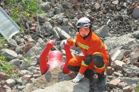 """十年前""""抗震救灾小英雄""""当上消防员 冲在抢险最前面低碳环保项目"""