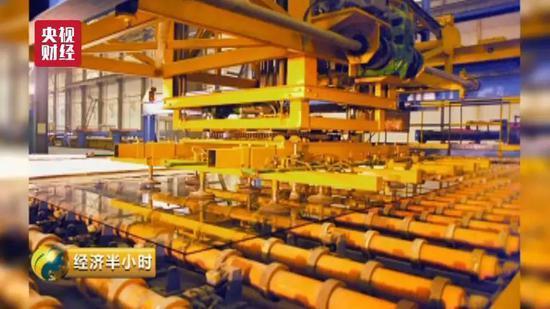 """中国造出""""超薄玻璃"""" 厚度堪比A4纸电磁炉烧功率管"""