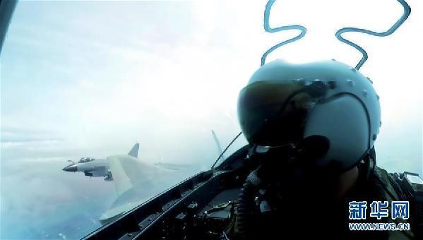 """(图文互动)(2)空军用""""生命线""""引领新时代练兵备战新航迹"""