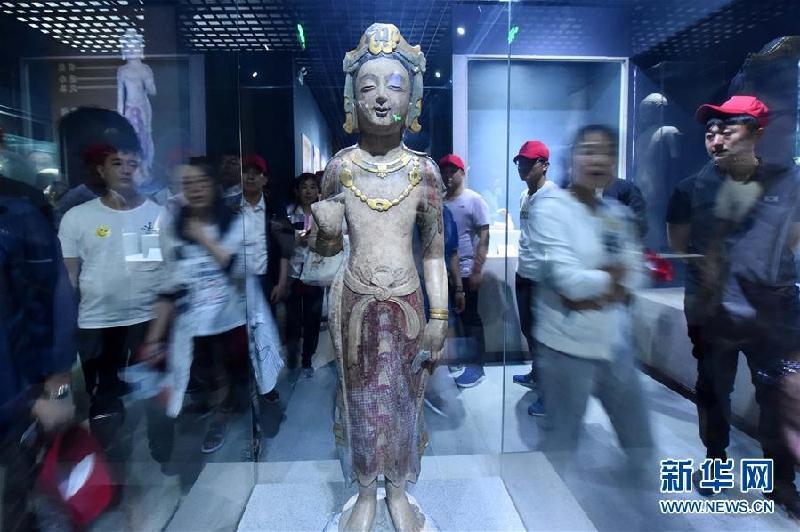 #(社会)(2)博物馆里感受历史魅力