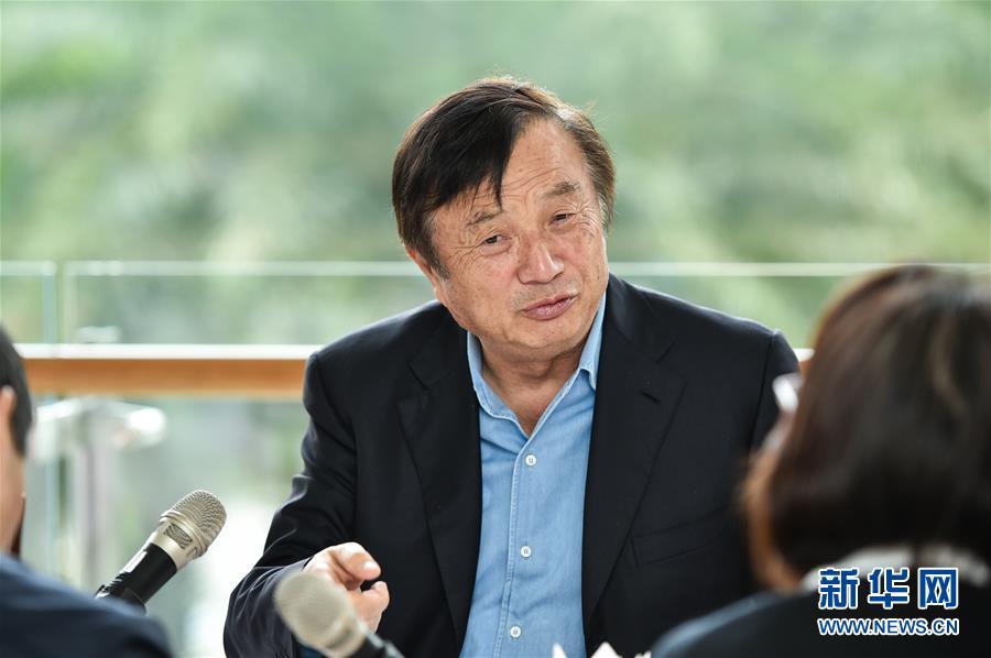 2019-10-18,任正非在位于深圳的华为总部接受新华社记者专访。新华社记者毛思倩摄
