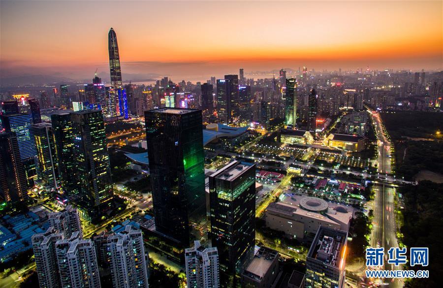 2019-08-21无人机拍摄的深圳市中心。新华社记者毛思倩摄