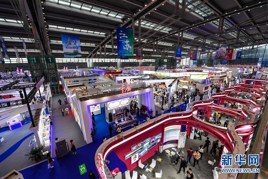 这是5月10日拍摄的第十四届中国(深圳)国际文化产业博览交易会1号展馆现场。新华社记者毛思倩摄