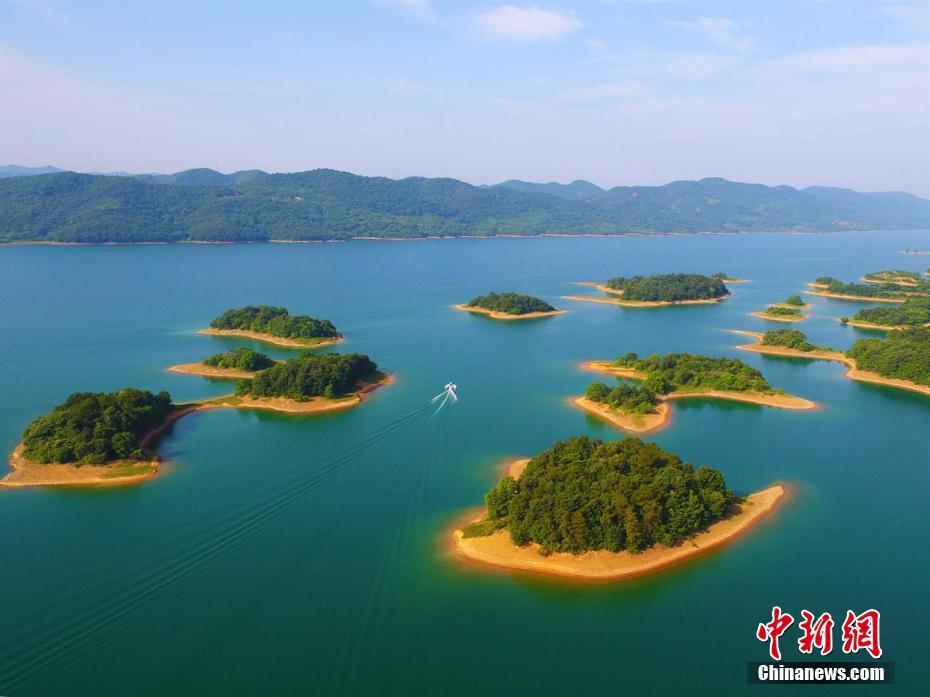 亚洲一�_鸟瞰亚洲第一大人工型土坝