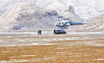 两名自驾游客被困戈壁 警方驱车近千公里搜寻解救