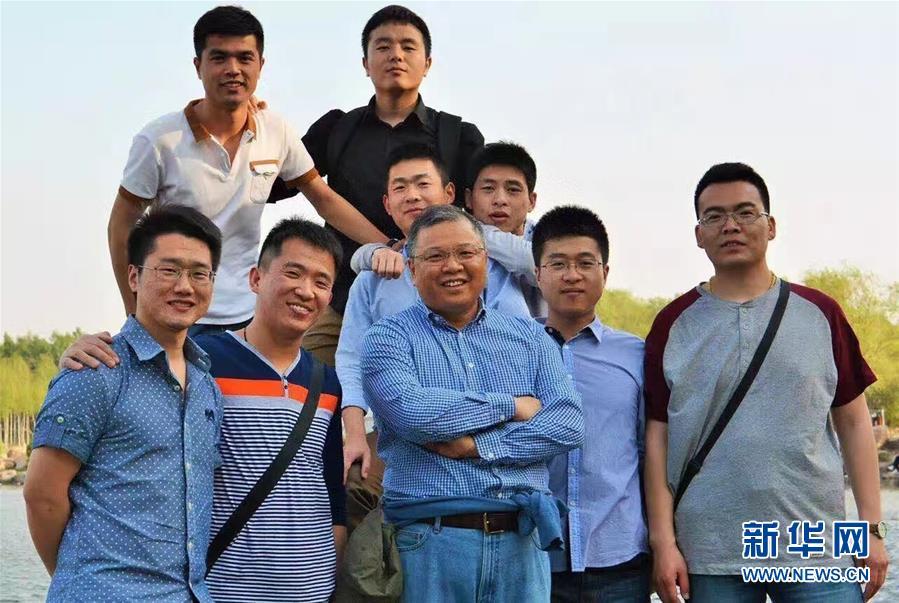 (新华全媒头条·图文互动)(5)挺起新时代的精神脊梁——写在中国共产党成立97周年之际