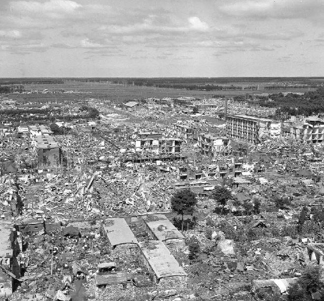 这场灾难过去42年了,但这些数字至今仍刻骨铭心