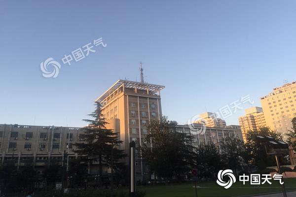 冷空气来袭北京阵风达7级 中秋假期最低温降至10℃出头