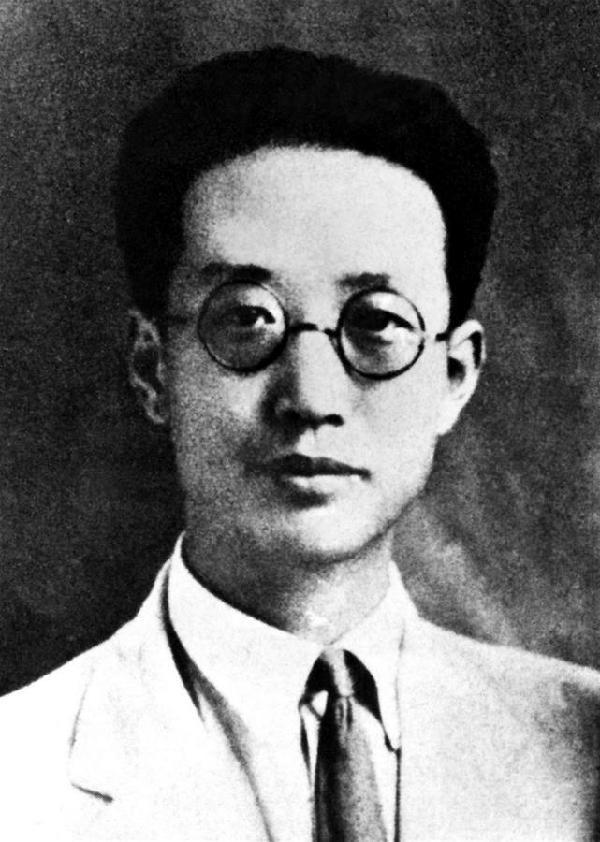 (為了民族復興·英雄烈士譜·圖文互動)中國共産黨早期領導人之一——瞿秋白