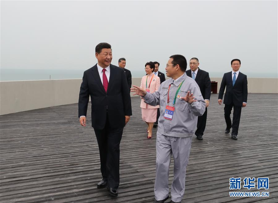 (时政)(2)习近平出席港珠澳大桥开通仪式并宣布大桥正式开通