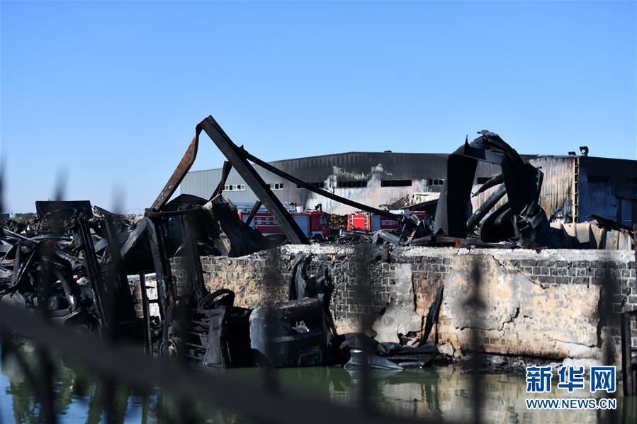 (圖文互動)(2)天津潤滑油倉庫火災已撲滅無人員傷亡